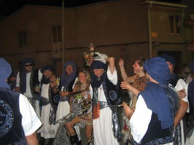 La escuadra de Moros Abenzoares desatando pasiones en los Moros y Cristianos de Caudete