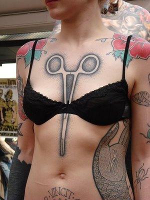 girl tattoo ideas on ribs.