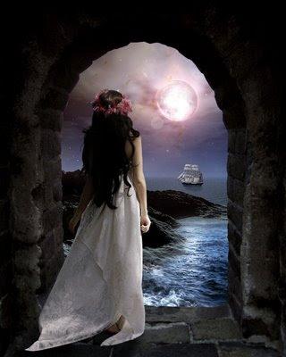 mulher pensativa,lua cheia,mar