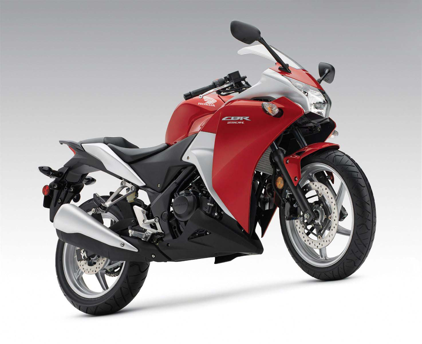 http://2.bp.blogspot.com/_qb8jpxJJgG0/TRLSUnl8CKI/AAAAAAAAEPE/5Keyf903uV4/s1600/2011-Honda-CBR250R-1.jpg