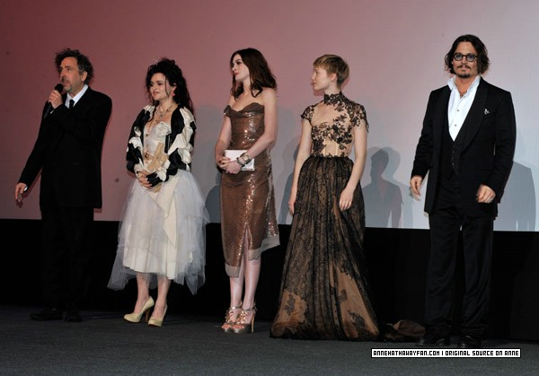 cast Alice in Wonderland Premiere