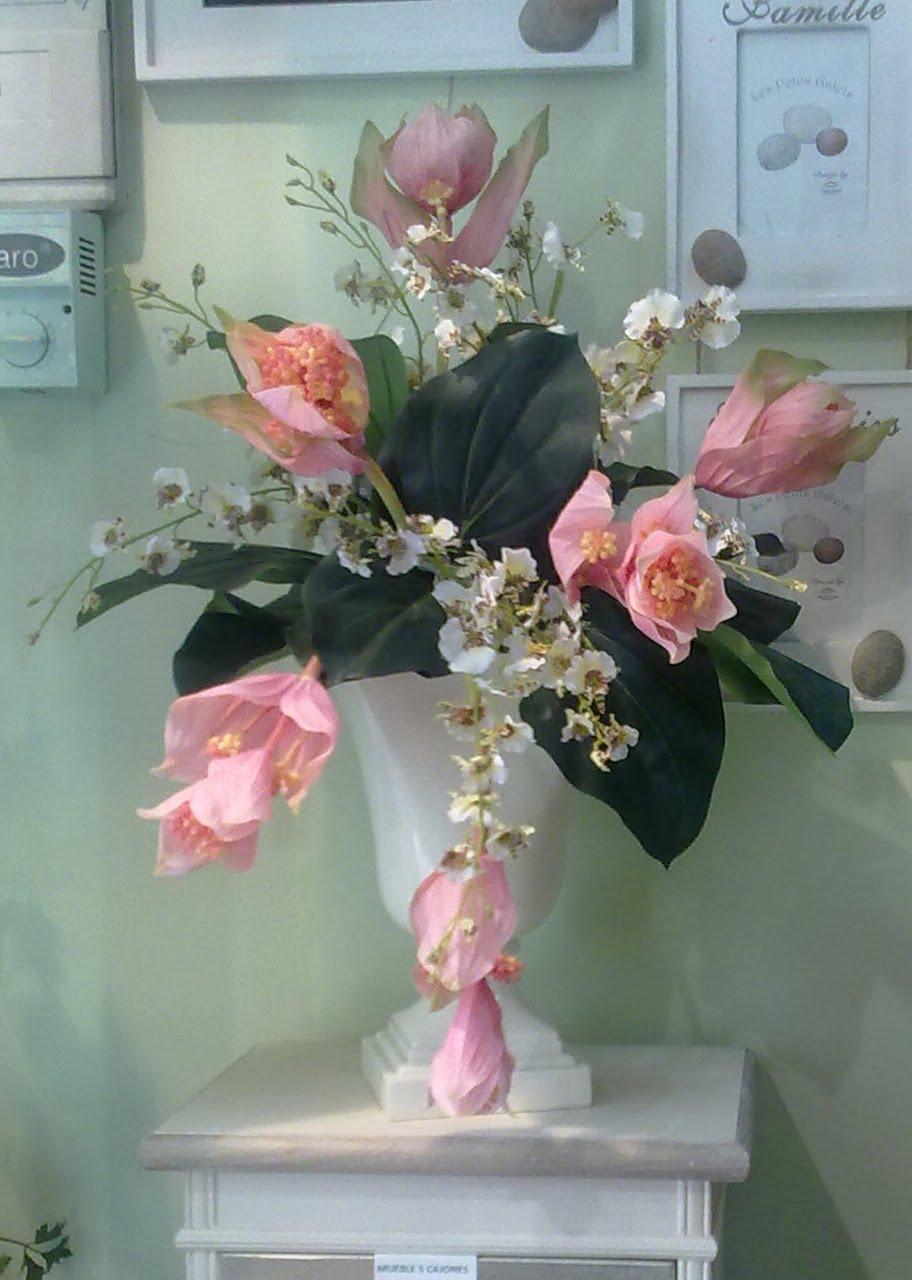 Decoraci n artico ideas y consejos con flores y plantas - Decoracion de jarrones con flores artificiales ...