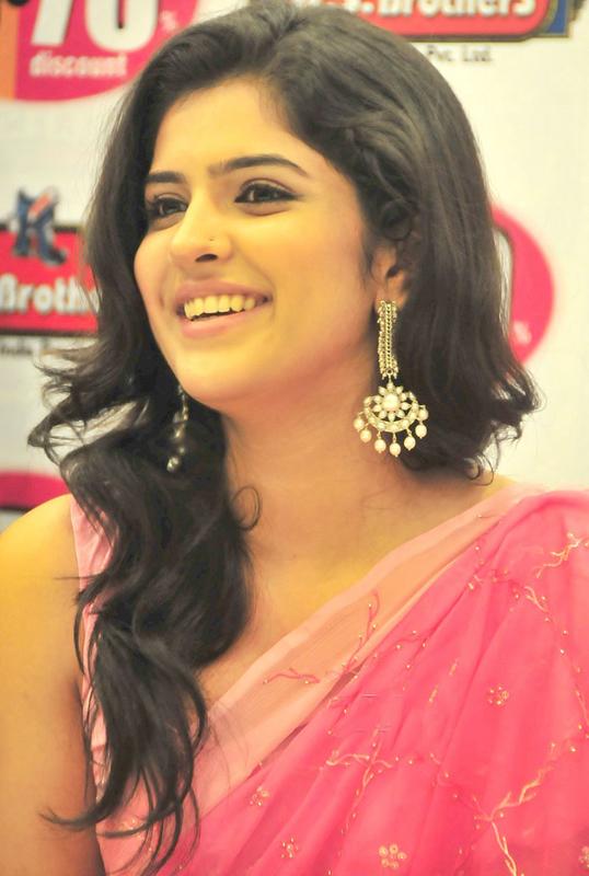 deeksha seth in saree latest photos