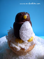 Tutorial: Candy Penguin Cupcakes