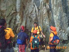 Preparandonos Para Entrar a La Cueva
