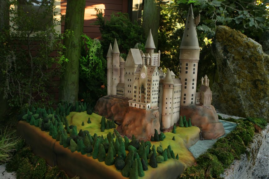 "Cake Boss Cake. Hogwarts Cake - By ""Ace of Cakes"""