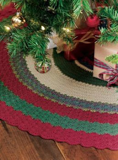 Crochet Tree Skirt Crochet Pattern | Red Heart