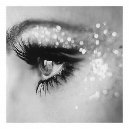 kesha makeup eyes. kesha glitter eye makeup.