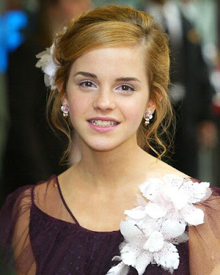 Emma Watson Latest Pics 2010. emma watson latest wallpapers.