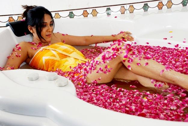 [actress-ankita-hottest-ever-stills-4.jpg]