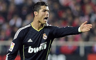 Cristiano Ronaldo before a freekick shot against Sevilla