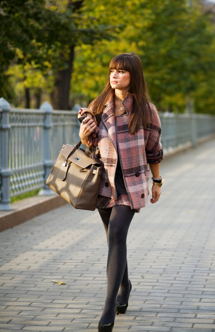 10278MiraPlaidWeb.jpg (image) :  sartorialist blog chic stylish