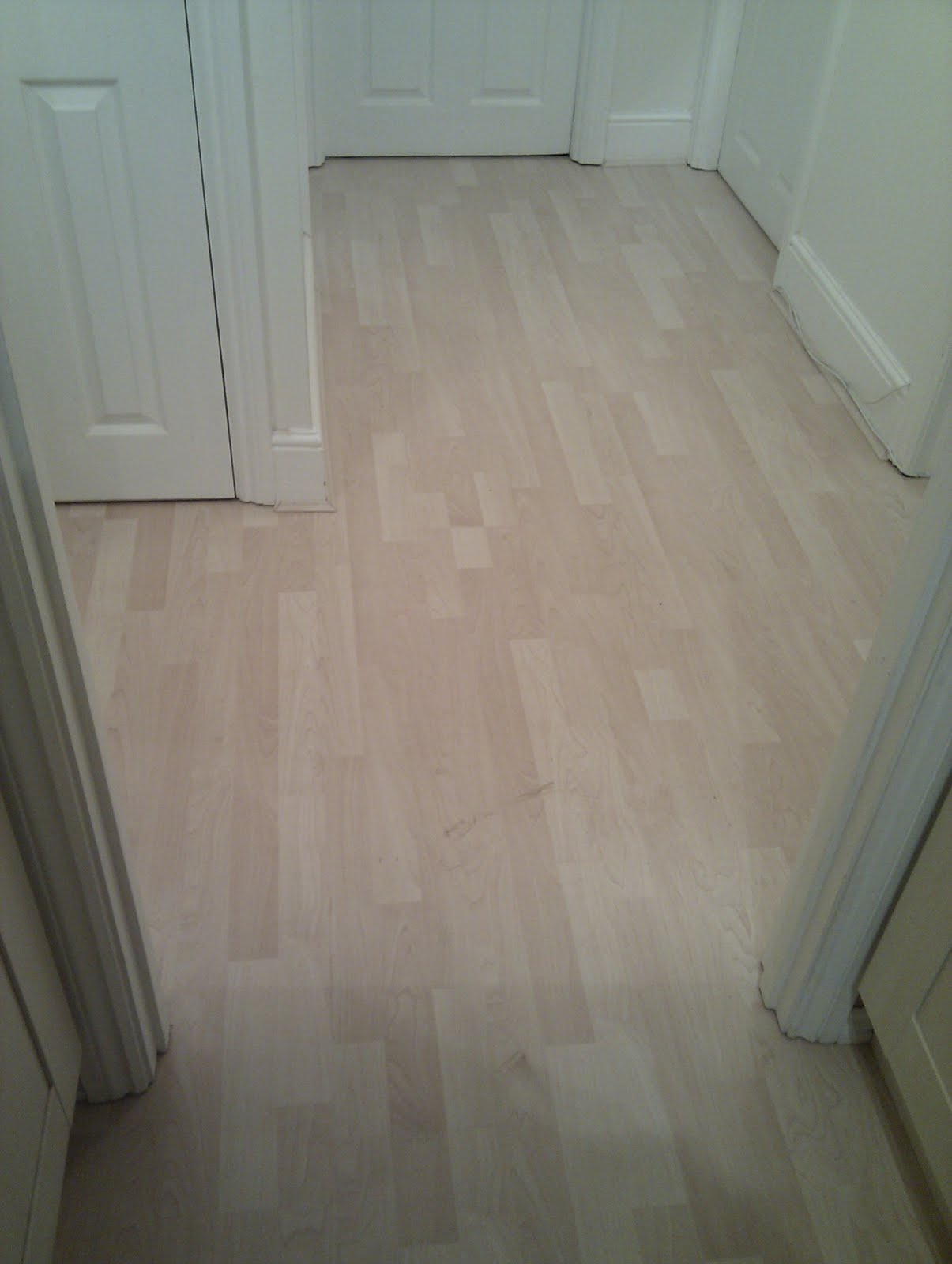 Tom Flooring Ealing Laminate Wood Flooring Kitchen