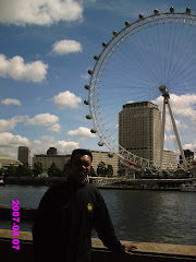 London eye,sebelah London bridge