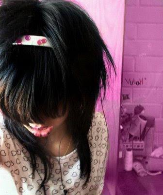 http://2.bp.blogspot.com/_qlLcZnbaijo/ScMco49ldAI/AAAAAAAAFh0/z0pnAH2gouQ/s400/emo_girls_28.jpg