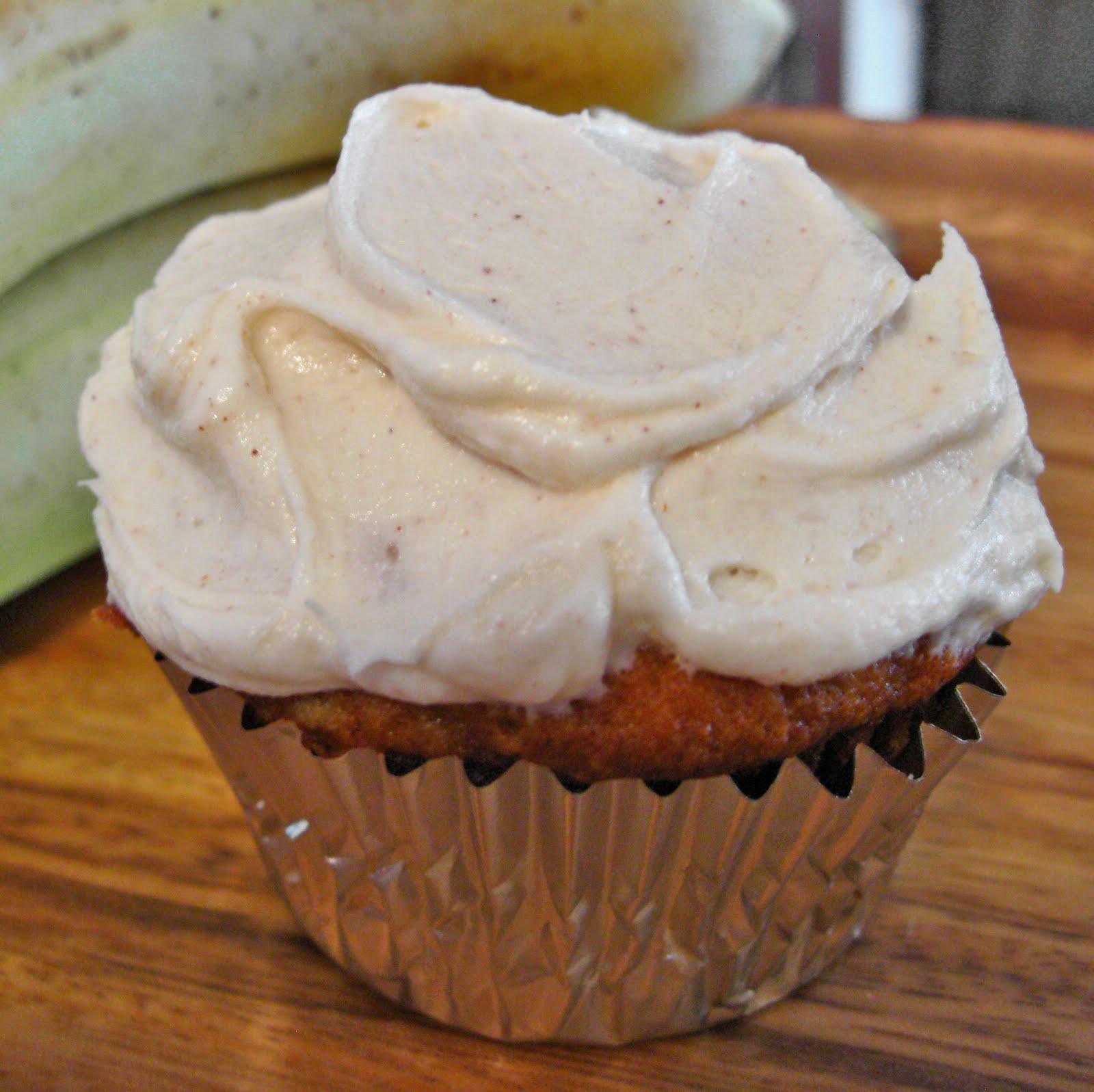 sugar to salt: Banana Cupcakes with Honey Cinnamon Frosting