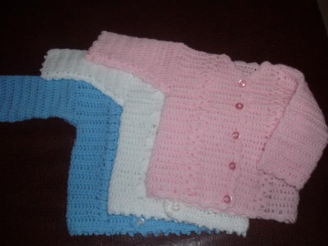 Bebes Mostrandoles Estos Saquitos Tejidos En Crochet En Lana