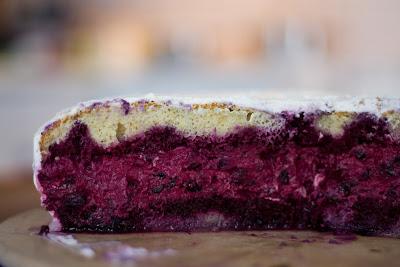 Za nas najboljša borovničeva torta ever. Pečem jo že deset let in