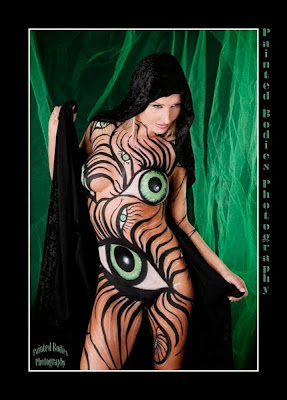 body painting on women