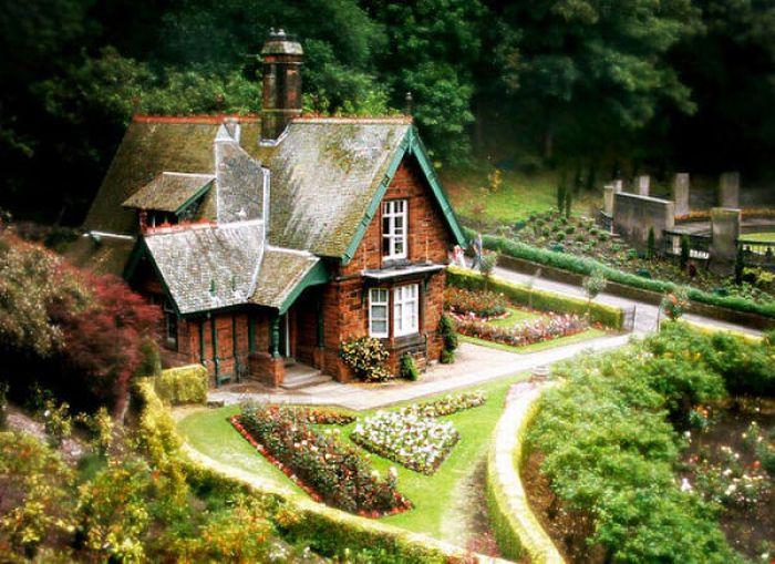 46 Awesome House Like Fairy Tales Curious Funny Photos