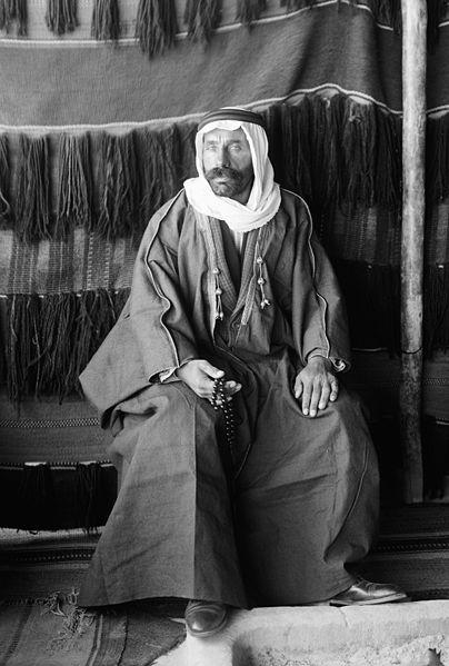 صقور بني معروف 404px-Sultan_Pasha_Al-Atrash2