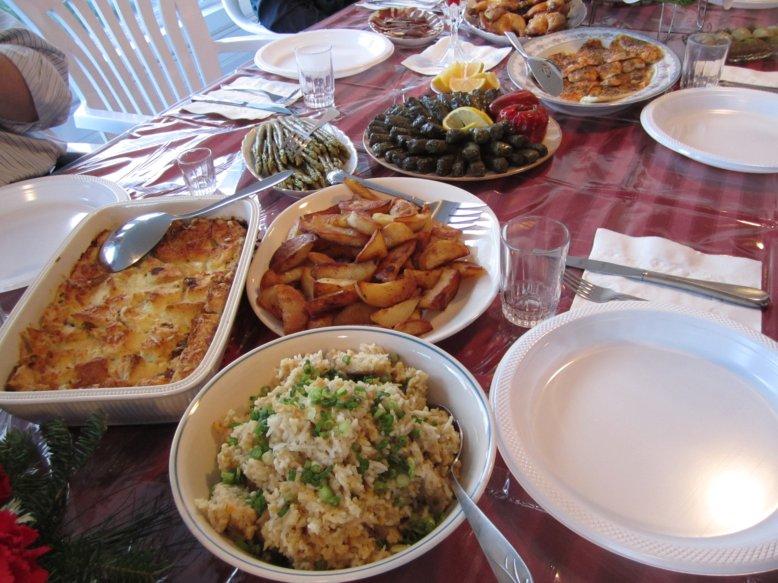 Mission food christmas dinner for Restaurants open for christmas dinner
