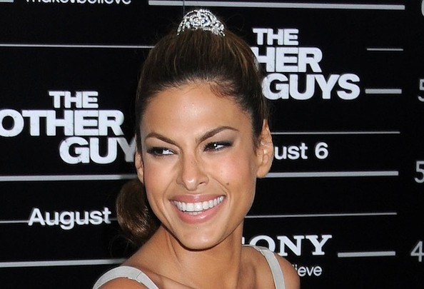 eva mendes hairstyle. Labels: 2010 Eva Mendes Hairstyle