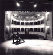 O Teatro aqui e no mundo.