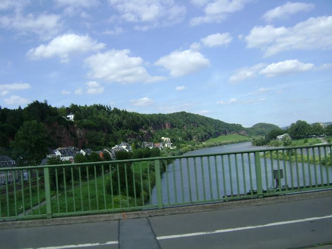 สพานข้ามแม่น้ำ  ในเยอรมัน