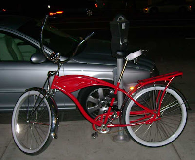 Red Bike on Wilshire