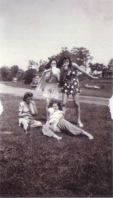 Doralice and Her Friends - circa July 1940