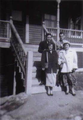 Lou, Del, Tom, Flo - Vose St. Steps - 1952