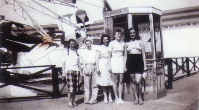 Doralice & Her Friends - Old Orchard Beach, Maine - 1947