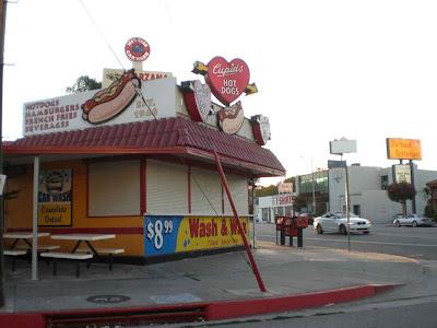 Cupid's Hot Dogs - Tarzana