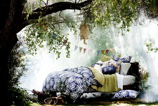 http://2.bp.blogspot.com/_qsw8Vnrk3JE/TFteZiAVOUI/AAAAAAAAGik/NXMdSLYXpWw/s1600/Heaven+Bed2.jpg