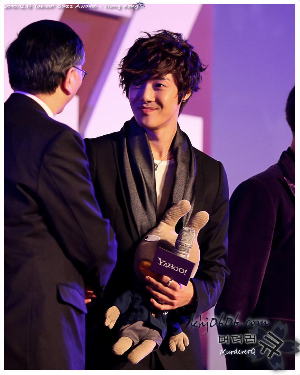 kim hyun joong ganador de los premios yahoo! asia buzz awars 2010 Kim+hyun+joong+buzz+3