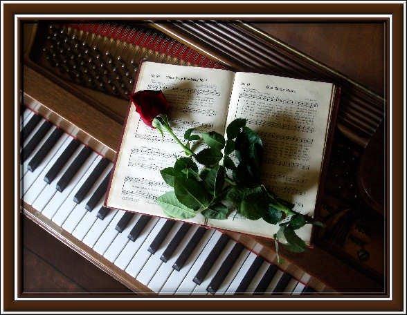 Flores, música y un buen poema.