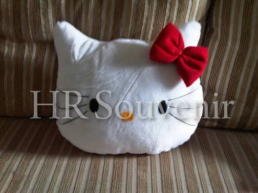 Bantal kepala Hello Kitty