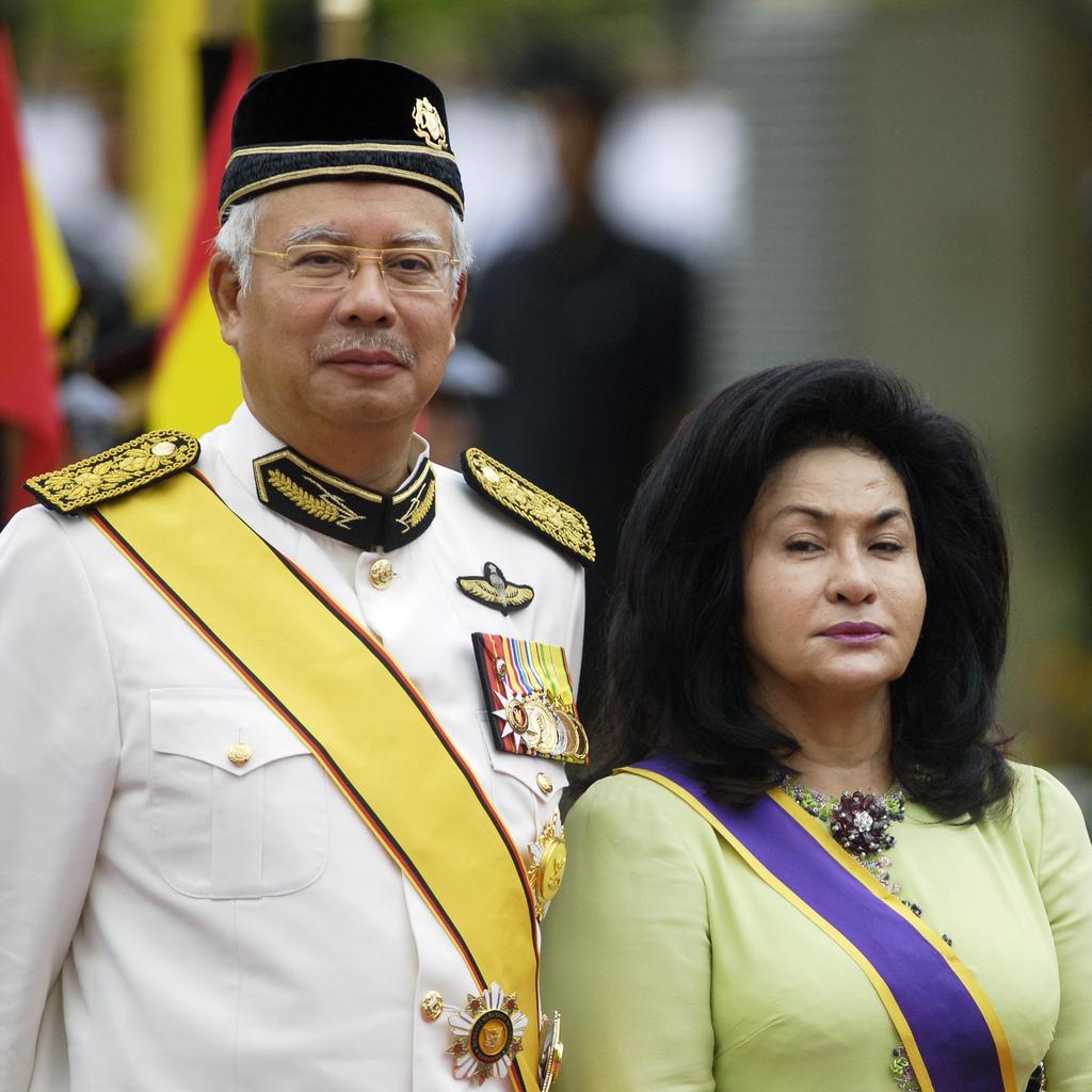 http://2.bp.blogspot.com/_qyxHOFrMS4s/TSm1Q0PQUFI/AAAAAAAACiE/udVyAT-JFnQ/s1600/Rosmah+n+Najib+Altantuya+01.jpg