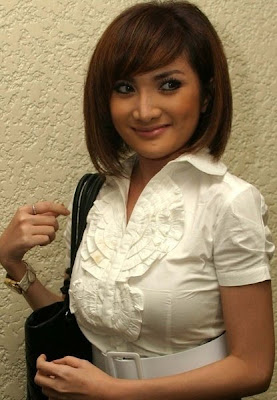 Kiki Amalia | 2008 The Sexiest Indonesian Celebrities
