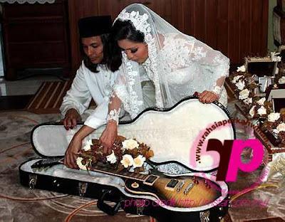 gambar kahwin nana radio era dengan brian hitz.fm | gambar perKAHWINan nana radio era | majlis perkahwinan nana radio era dan brian hitz.fm | nana af wedding | nana af1 kahwin