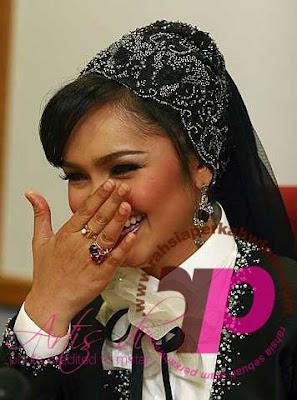 Datuk Seri Khalid Mohd Jiwa dan Datuk Siti Nurhaliza   PERKAHWINAN artis MALAYSIA, news, scandal, gossip, Weddings, Families, Divorces of Celebrities