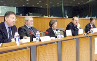 from left to right: Cesare Mirabelli (Italie), Honorary President of the Constitutional Court, Giorgio Salina (Italie), Vice-President in the Convention of Christians for Europe, Elizabeth Montfort MEP (France), Francesco Fiori, Vice-Chairman of the EPP-ED Group, Georges-François Dumont (France), Demographe, Professor at the Sorbonne University