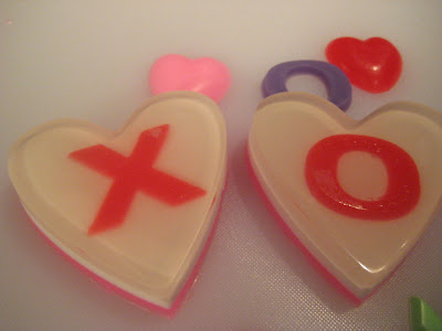 Melt &amp; Pour Valentines Hugs &amp; Kisses Soaps