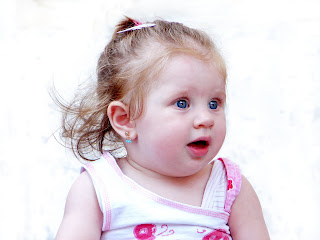 Cute Baby :: Top Wallpapers Download .blogspot.com