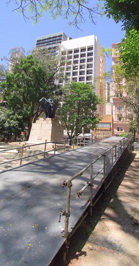 Projeto Monumenta, obras de restauração, Praça da Alfândega, Feira do Livro, Porto Alegre, outubro, 2010