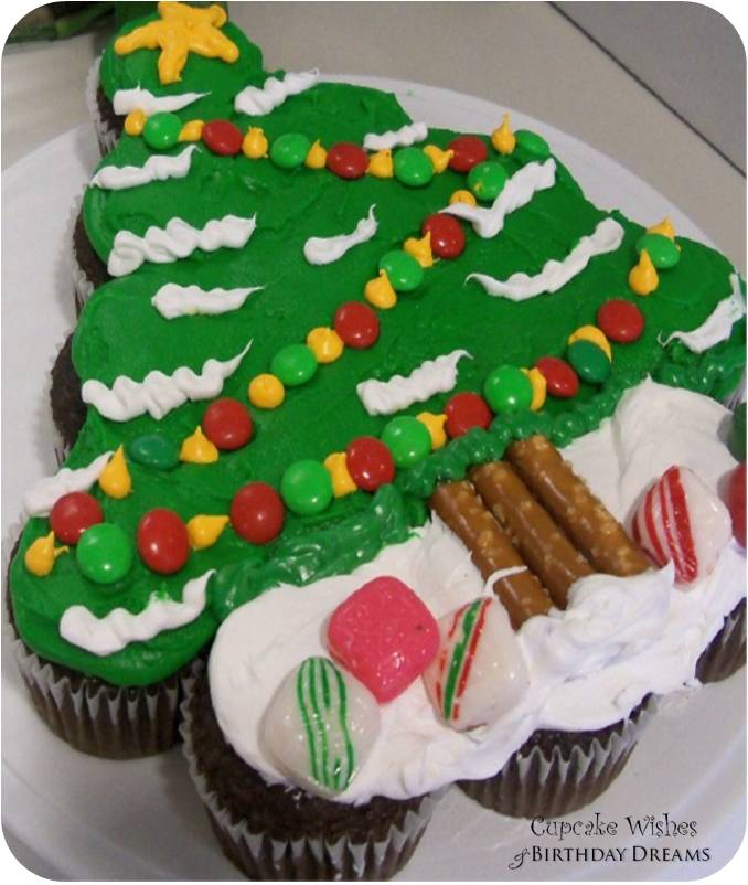 Day 12} 12 Days of Cupcakes - Xmas Tree Cupcake Cake Tutorial