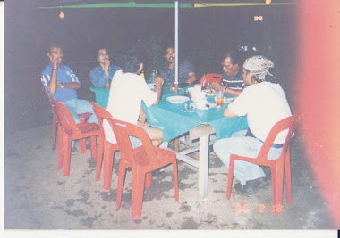 Kenangan bersama Arwah abah  Kat Railwal Station Taiping
