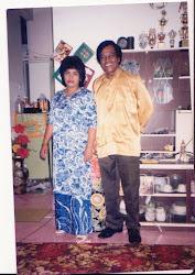Emak & Arwah Abah masa kt Bukit Jana , Kamunting