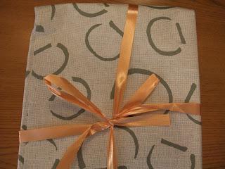 うさぎやのどら焼きの包み紙